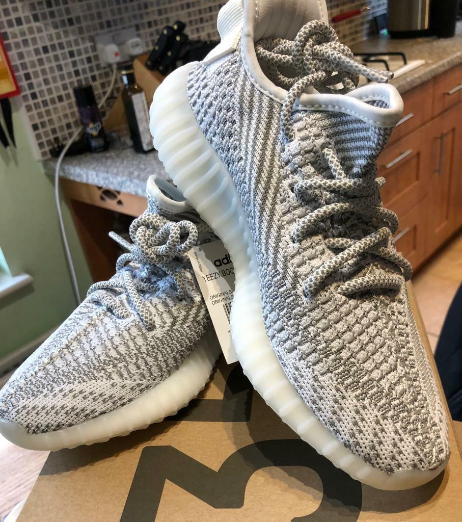 60a2f6935ee7 Yeezy Boost 350 V2 Static non reflective size 5