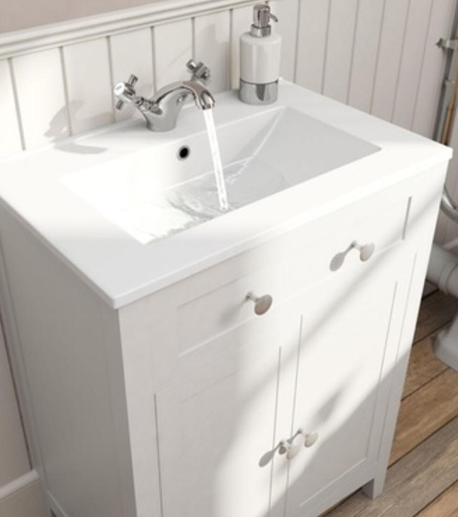 Camberley White Bathroom vanity unit with 600mm Basin - NEW