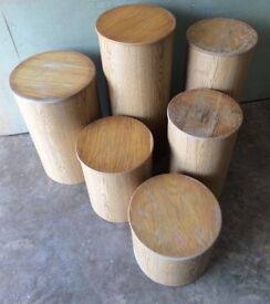 8 X STURDY LAMINATED LIGHT WOOD DISPLAY PEDESTALS VARIOUS SIZES WITH 7 X LIDS