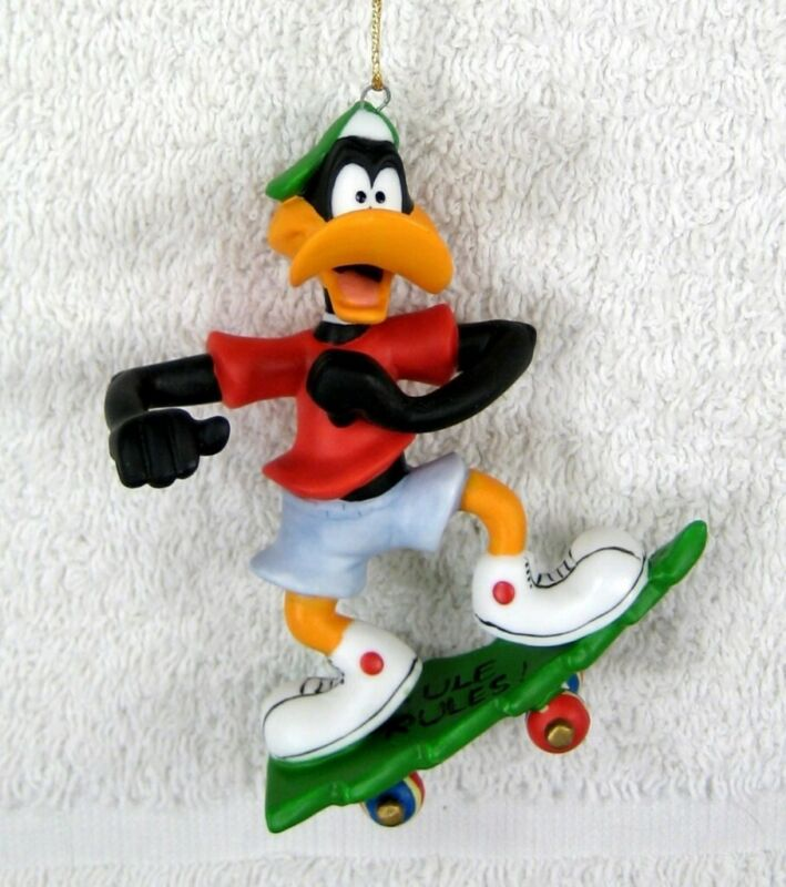 GOEBEL Cute DAFFY DUCK on Skateboard Xmas Tree Ornament