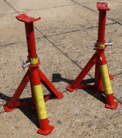 Qty 2 Foldable 2 ton Axel Stands