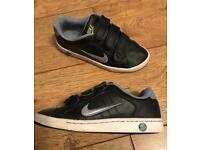 0d388f3c4d4138 Nike children s   kids trainers uk size 3 Euro 35.5