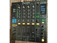 Pioneer DJM 800 immaculate plus flight case