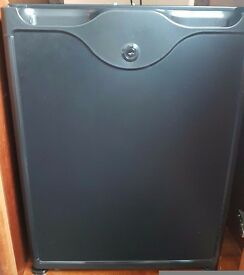 Mini Fridge /Bar- 4* Accommodation Clearance- Excellent Condition