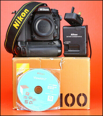 Nikon D7100 DSLR Camera & Grip + Boxed + Battery & Charger - Full Working Order