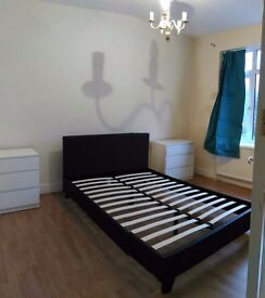 £140/£150pw 3 xDouble rooms available near Southbury Station /Edmonton/Enfield