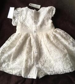 Size BNWT 24 months (2 years) lace effect dress