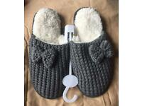 New Grey Knitted Slip-on Slippers - Size 3-4