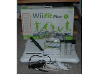 Nintendo Wii Console - Balance board - Controls(3) + games(6)