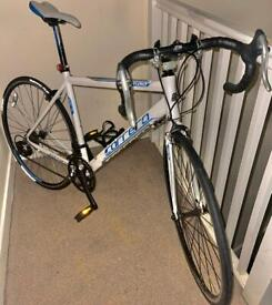 🇬🇧White/blue 20 inch medium adults refurbish used condition Carrera virtuoso Road cycle SE152JR☎️