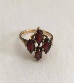 9ct Gold Diamond Shaped Garnet Ring Size N