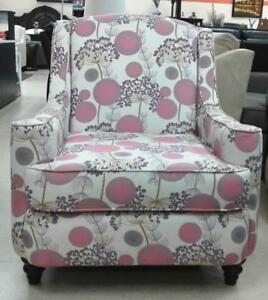CLEARANCE SALE ON ACCENT CHAIR (FD 174)