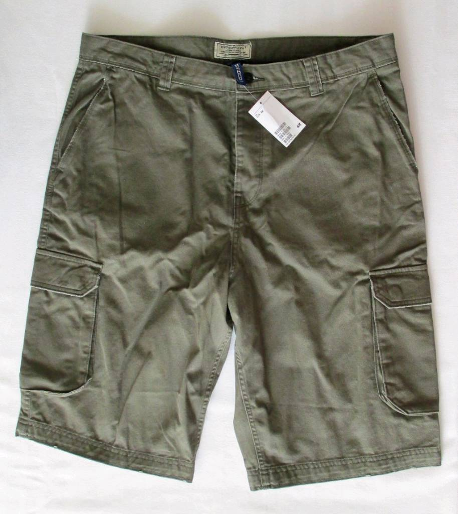 NEW H&M Men's cotton cargo shorts khaki green size EUR 36, with tags attached