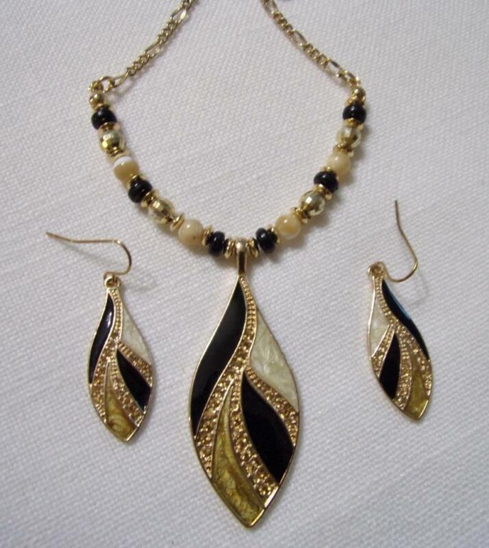 KC Kenneth Cole Gold Tone, Enamel & Rhinestone Pendant Necklace & Hook Earrings