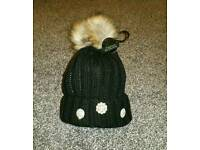 Dimonty hat
