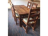 House-Clearance: Solid Oak Dining Table with Chairs for Sale