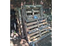 4 Good wooden pallets for free