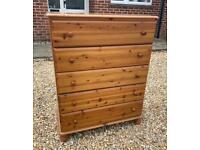 Lovely solid chunky pine chest of drawers. Dovetail Joints. Possible delivery