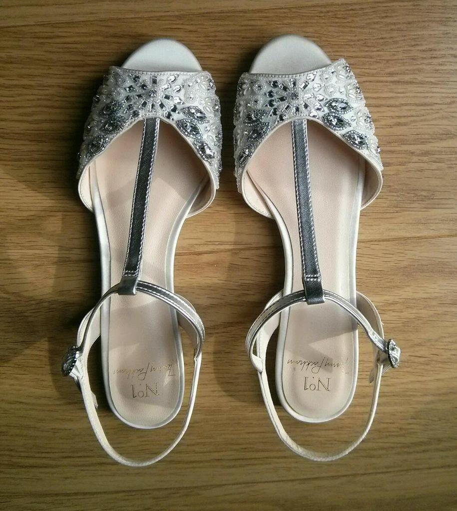 Women's sandals debenhams - Brand New Debenhams Jenny Packham Ivory Jewel Embellished T Bar Wedding Flat Sandals Size 5