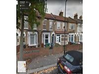 BEAUTIFUL 6 BEDROOM HOUSE READY TO MOVE IN FOREST GATE (E7) MINS FROM STATION ,GOOD PART/DSS WELCOM
