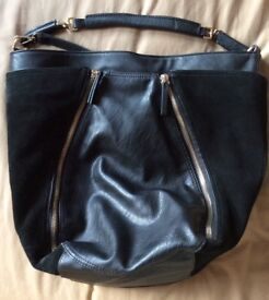 VGC Stunnning Zara Ladies Black and Gold Leather Suede Handbag (Shoulder Strap)