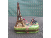 Collectable 'Limoges' China trinket box/ pill box (Eiffel Tower/ couple/ little girl with balloon)