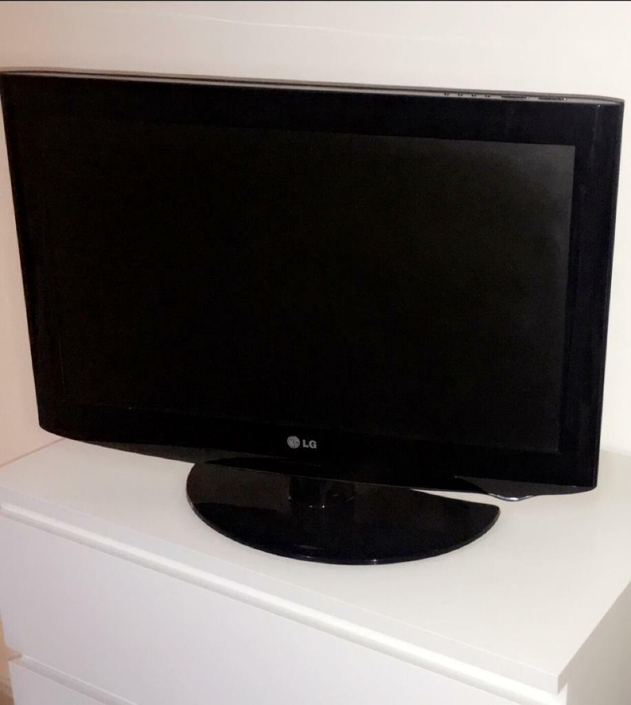 LG tv with remote   in Musselburgh, East Lothian   Gumtree