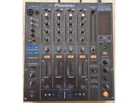 Pioneer DJM 800 Mixer With 4 x Brand New Faders!