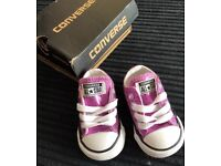 Baby converse size 2 new in box