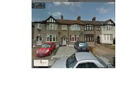 SPACIOUS & REFURBISHED 3 BEDROOM GROUND FLOOR FLAT IN CHADWELL HEATH (RM6) GOOD PART/DSS WELCOME
