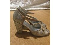 Office Vintage sparkly peep-toe shoes. Size 5 (38)