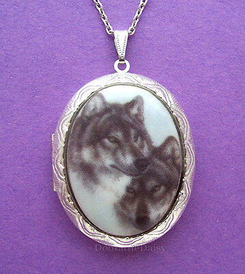 WOLF Porcelain TWO GRAY WOLVES CAMEO Costume Jewelry ST Locket Necklace for Gift