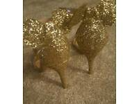 Womens gold mickey mouse heels size 6