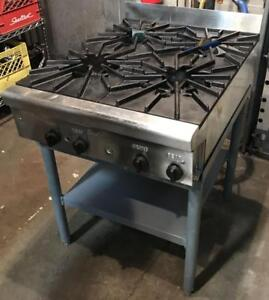 Quest natural gas 4 burner range - totallly refurbished