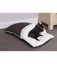 Cat slipper bed