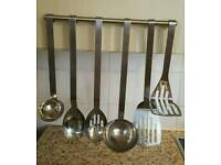 Stainless steel utensil set of 6. in vgc