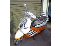 Peugeot Django Evasion 125 retro Scooter in White and Orange 5144Kms in as new condition