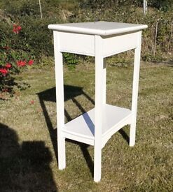 Straight leg Victorian bedroom wash stand