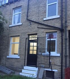 2 Bed Terraced House To Rent BD5 West Bowling