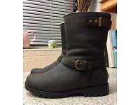 Genuine Ugg boots 6.5 brown Leather - VG Condition - Sale or Swap for Uggs