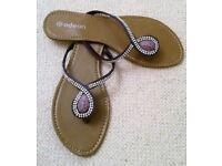 NEW ODEON DESIGNER PURPLE DIAMANTE FLIP FLOPS Clear Bead Beach Wear Sandals Shoes Accessories Size 8