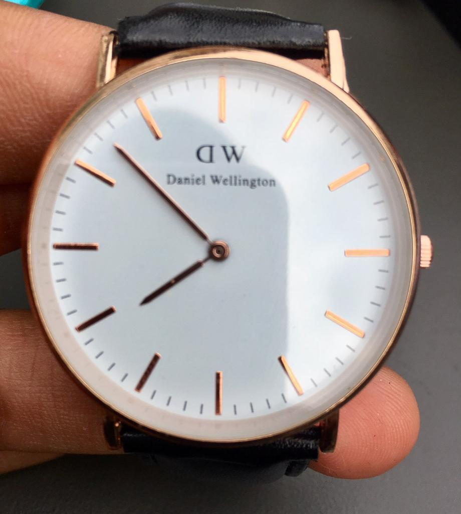 Daniel Wellingtonin Plaistow, LondonGumtree - Daniel Wellington watch for sale Come in black with silver or black with rose goldCall D 07986899628For pick up
