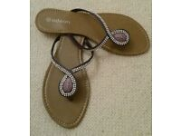 New Purple Diamanté & Bead Flip Flops. Size 8. Beach Wear/ Holiday: Summer Shoes/ Accessories