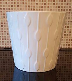 IKEA KARDESUMMA White Plant Pot 24cm Excellent condition