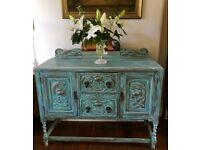 Vintage Oak Sideboard / Cabinet