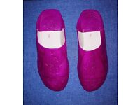 Bright pink leather embossed Moroccan slippers x 2