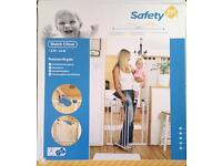 Safety 1st Baby gate