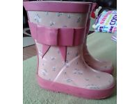 Girls pink floral prints wellies. Size 5