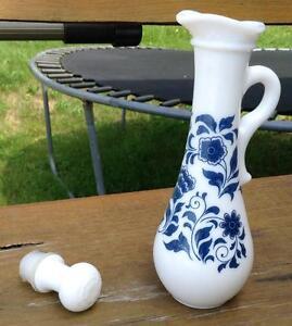 Vintage magnifique pot avec son bouchon. Produit AVON Gatineau Ottawa / Gatineau Area image 4