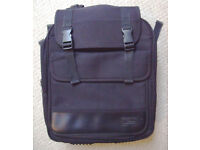 Targus Model CCB1 black nylon laptop backpack/rucksack with carry handle and shoulder strap. £8 ovno